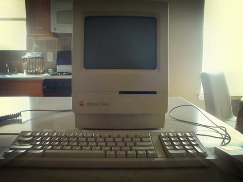 Macintosh Classic (Unorthodox Pop)