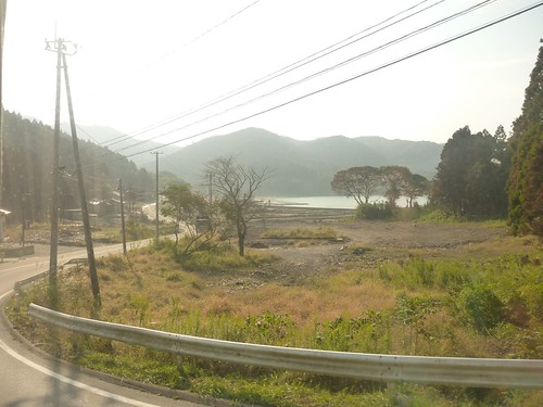 牡鹿半島小渕浜でボランティア Japan Earthquake Recovery Volunteer at Oshika Peninsula, Miyagi pref. Deeply Affected Area by the Tsunami