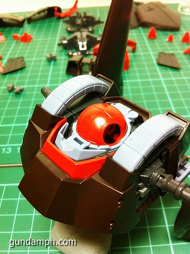 MG Rick Dias Quattro Custom RED Review OOB Build (25)