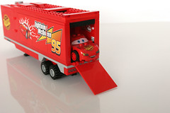 8486 Mack's Team Truck - Ramp Down