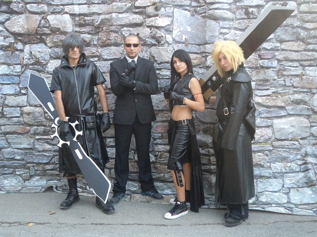 Advent Children cosplay