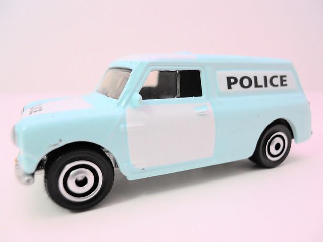matchbox lesney '65 austin minivan (2)