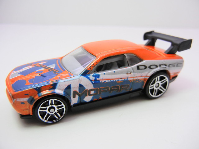 hot wheels dodge challenger drift car orange (2)