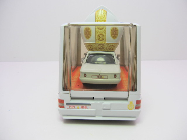 disney cars 2 pope and popemobile loose (11)