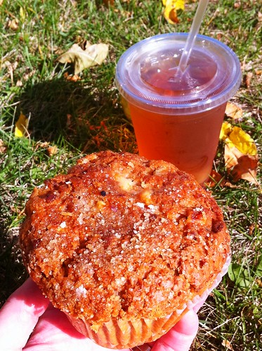 apple pecan muffin + ginger peach iced tea