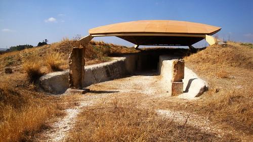 Dolmen de Alberite (vista exterior)
