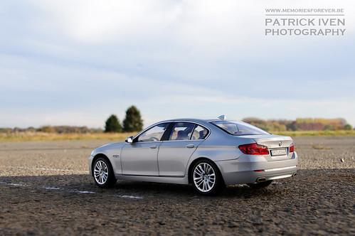 BMW 550i - scale 1/18