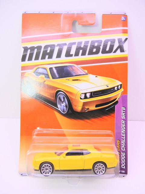 matchbox dodge challenger srt8 yellow (1)