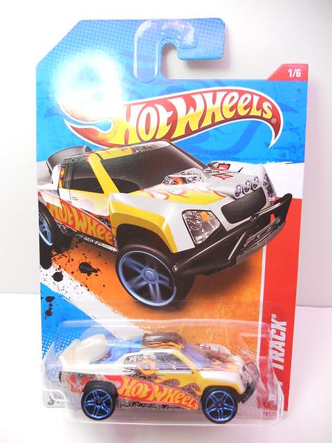 hot wheels off track beige (1)