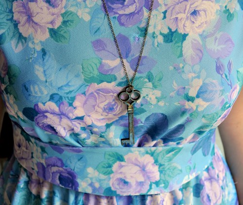 Roses Dress with Vintette Jewellery