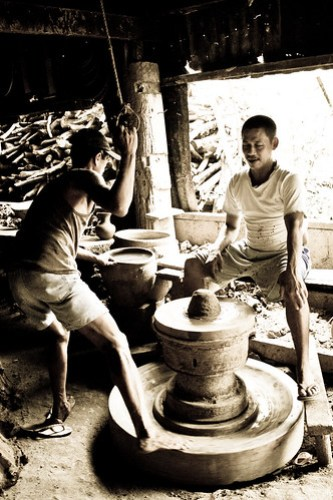 Pottery Makers at Pagburnayan