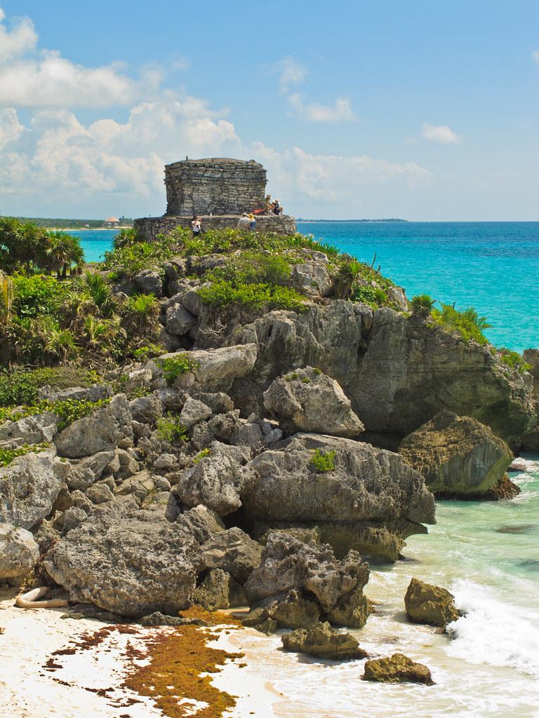 Tulum's cliff-top ruins