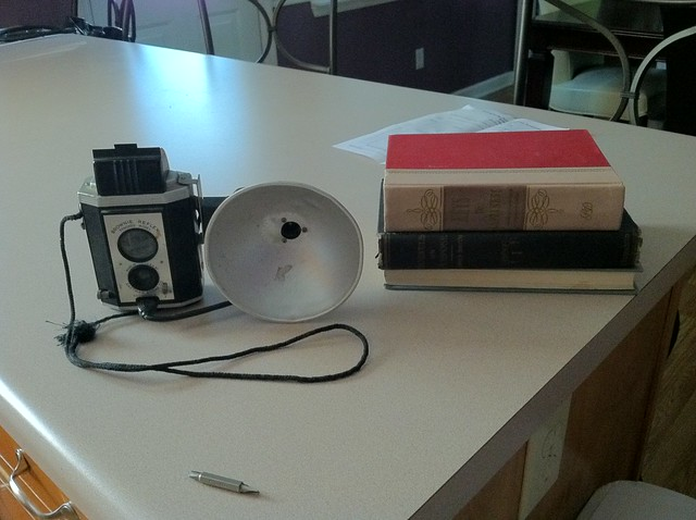 Vintage Kodak Brownie Reflex iPhone Dock (3/6)