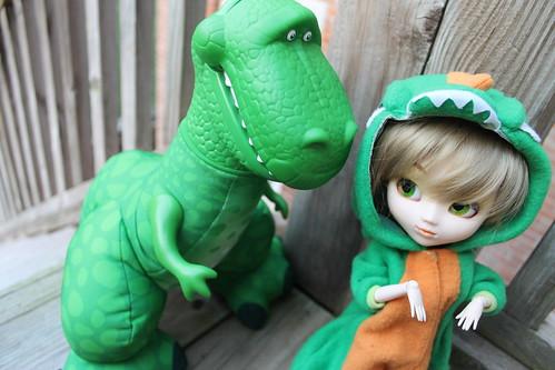 245/365 Dino Roar!