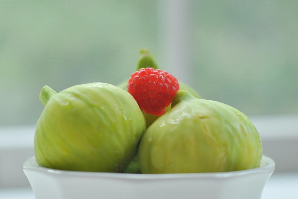 Figs & a razzie