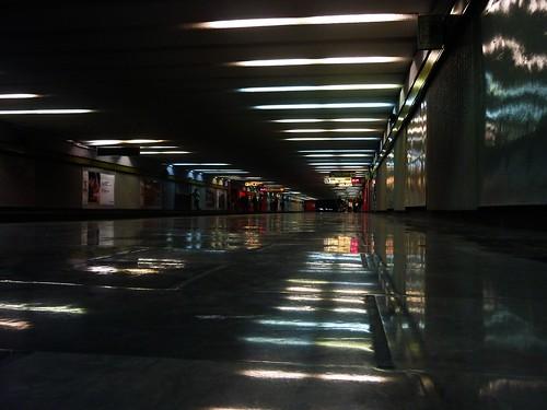 Die andere Dimension: Die U-Bahn. by Cronopio Tranvia