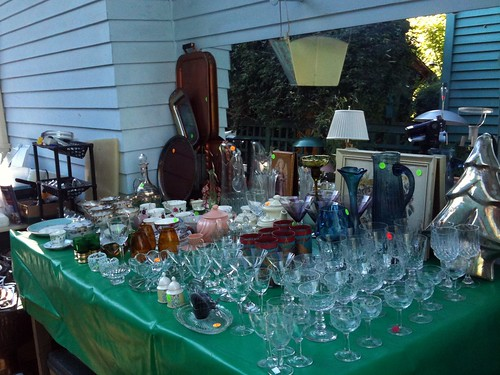 Glassware table