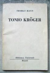 Thomas Mann, Tonio Kröger (trad. di Remo Costanzi). BUR, Biblioteca Universale Rizzoli 1954; copertina (part.)