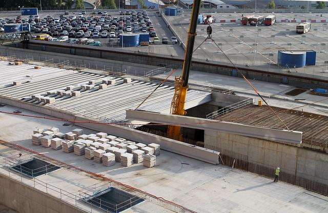 Colocando las últimas vigas de más de 30 metros - 12-09-11