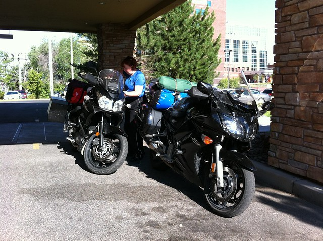 Packing the bikes at the HI in Missoula, MT