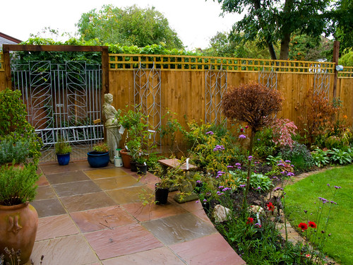 Trellis and gate