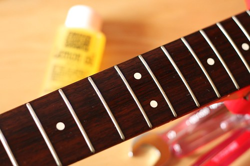 Lemon oiled fingerboard