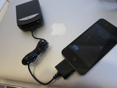 iPhone乾電池充電器
