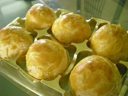 Chung's pandan salted egg mooncake 2