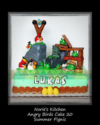 Norie's Kitchen - Angry Birds Cake 20 - Summer Pignic by Norie's Kitchen