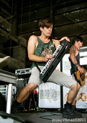Family Force 5 @ Warped Tour