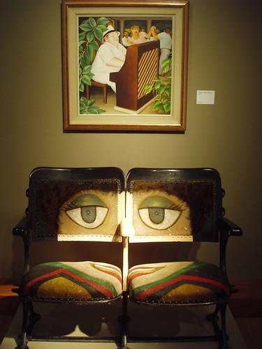 201108040007_the-sofa