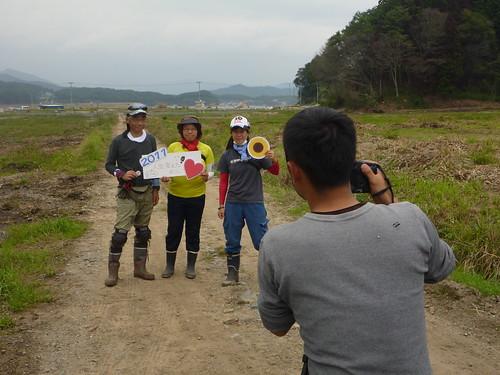 陸前高田市広田町でボランティア (「手を貸すぜ 東北」レーベン隊) Volunteer for Recovery Supprt at Rikuzentakata, Iwate pref. Deeply Affected Area by the Tsunami of Japan Earthquake