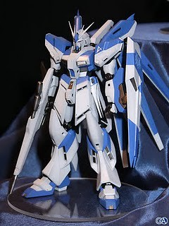 144 RX-93-v2 Hi-v Gundam Resin Cast Kit