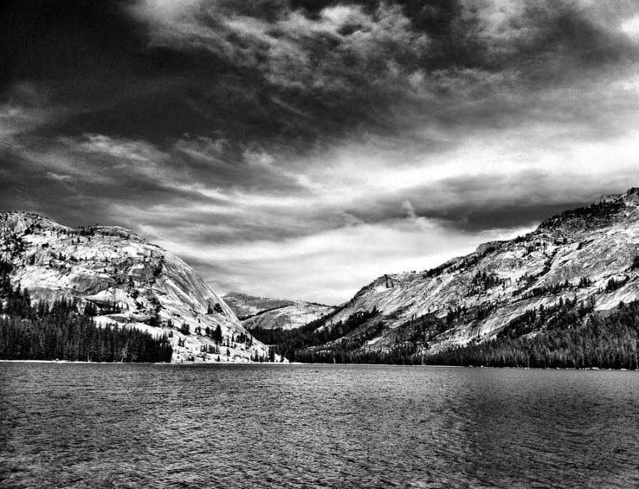 iPhone 4 image of Yosemite