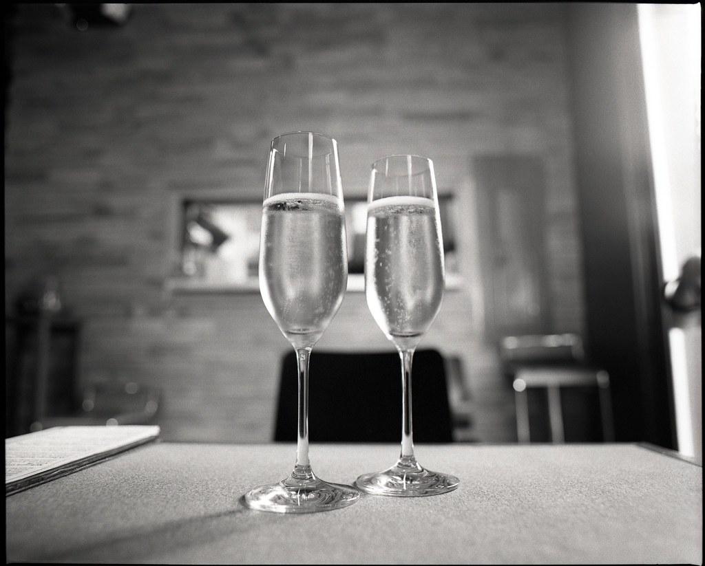 glasses of schampagne