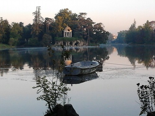 The Lac Daumesnil in the Bois de Vincennes