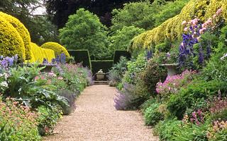 Ascott House Gardens, Buckinghamshire, UK | A ...