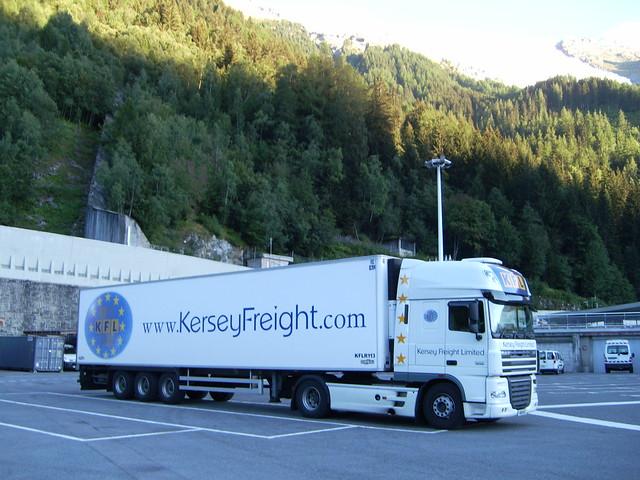 K18 KFL - ITALY - DAF 480 XF