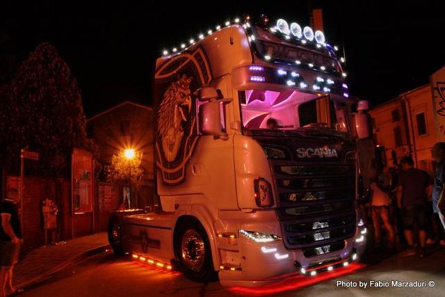Pink Italian R730