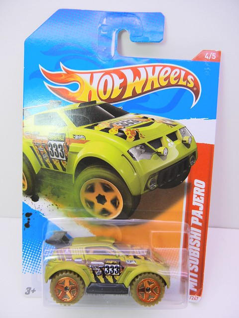 hot wheels mitsubishi pajero (1)