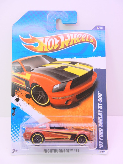 hot wheels '07 ford shelby gt-500 bronze (1)