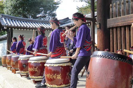 Playing Taiko in Front of Niō-Gate
