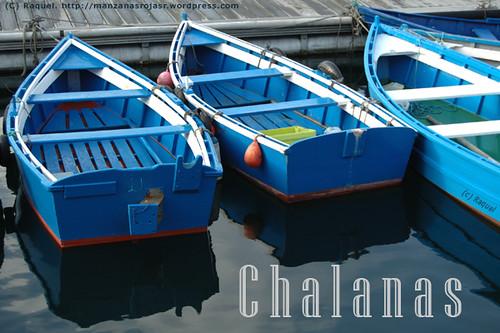 Chalanas en el puerto de Luarca