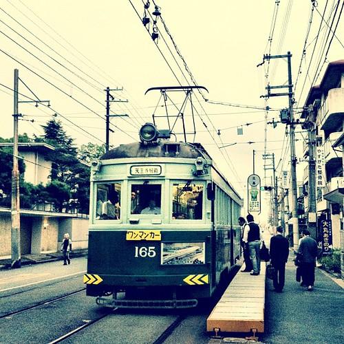 (^o^)ノ < おはよー! 今朝は、少し古風な電車だよ~! では、イッテキマース! #ohayo #iphonography #instagram