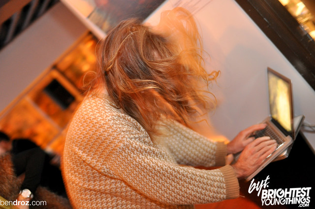 11:4:2011 Folly Night School @ The Dunes-244
