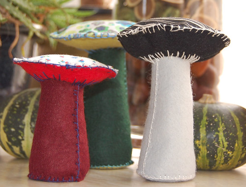 Studio Paars - paddenstoelen van vilt en stof