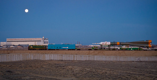Expedition 29 Soyuz Rollout (201111110003HQ)