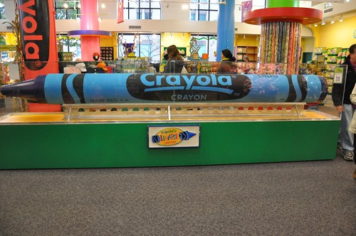 Largest Crayon everrr!