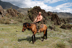 putin on horse no shirt