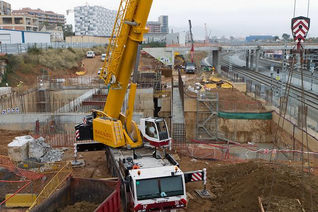 Lado mar del nuevo puente, junto a las obras de la Línea 9 del Metro - 03-11-11